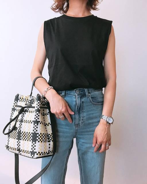 """ℕ.៣. on Instagram: """"限定価格で追加した#マーセライズコットンt のブラック . . . シンプルなのでちょっとだけ鞄は色味のある物を𓁅 . . . しかし、今日は暑かった☼𓆣𓄺 . . みなさん、地震大丈夫でしたか? いつ起こるかわからない恐怖 . . . . #fashion#instagood…"""" (125605)"""
