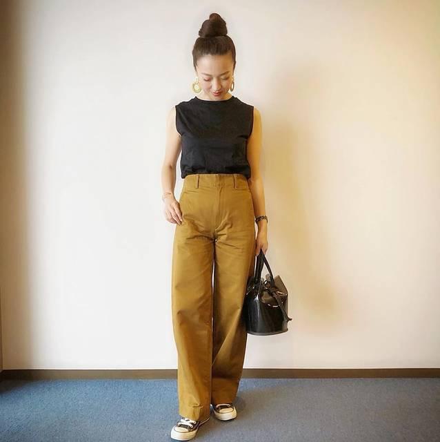 """Megumi  Sakurai on Instagram: """". ユニクロで話題の#カーブパンツ 3種類試してきました✨. . ジャージもデニムも可愛かったけど、最初に気に入ったのがこのチノ✨. 164cmで補正無しでした🏝. . . . . #ootd #cordinate #outfit #uniqlo #uniqlou #ユニクロ…"""" (126449)"""
