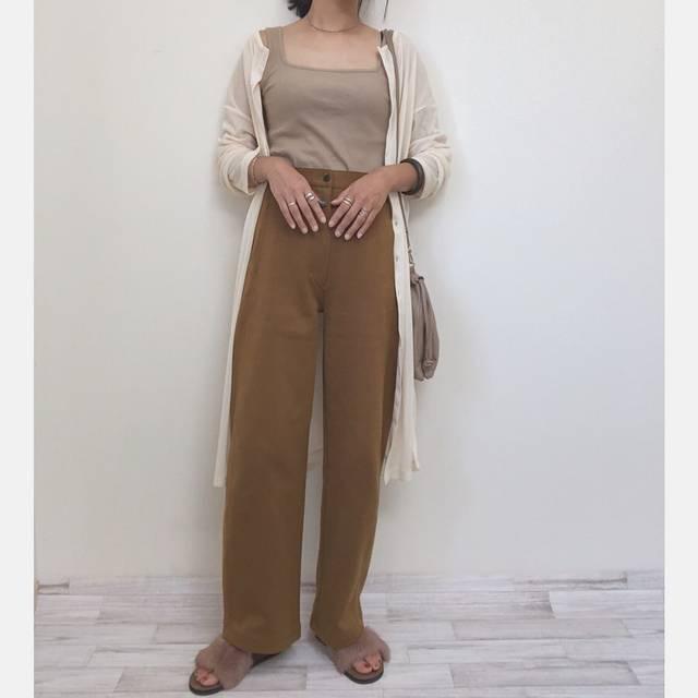 """nachico on Instagram: """"#今日のコーデ . 買って良かった♡ . . .  そんな変わらんけど 無駄に2枚ありんす🙈 . .  #カーブパンツ  #ワイドフィットカーブジャージーパンツ  #curvedpants #uniqloginza2019fw#ユニジョ…"""" (128098)"""