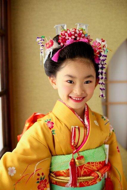 【着付け師が解説】七五三の髪型・7歳の女の子におすすめな髪型を紹介 | サンキュ! (133703)