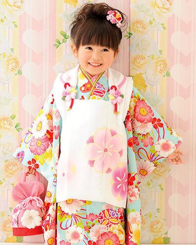 七五三の着物、3歳の女の子はどうする?装飾品や髪型の準備の仕方 | コソダチ (133999)