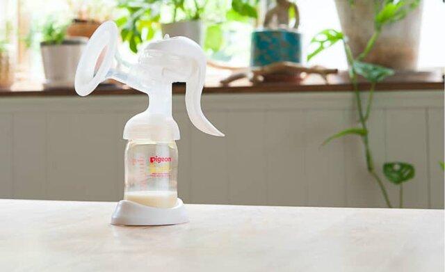 ピジョンさく乳器母乳アシスト 手動   ママのはじめてサポートサイト   ピジョンインフォ (137265)