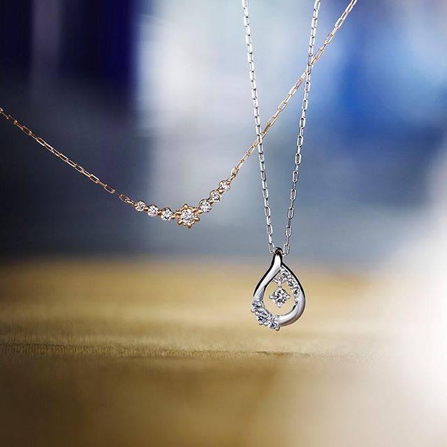 """4℃ / ヨンドシー on Instagram: """"・ ・ NEW YEAR LIMITED ・ ダイヤモンドの輝きとシンプルな美しさを追求したデザインが、大人の魅力を際立たせる限定ネックレス。 身に着けた女性をよりエレガントに演出してくれそうです。 ・  #ヨンドシー #ジュエリー #ネックレス #ダイヤモンド…"""" (84375)"""