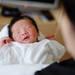 初めての赤ちゃん検診「1ヶ月検診」の体験談|検診内容は?持ち物は?新生児との外出ポイントは? - 子育てママのライフスタイル情報!マタイク