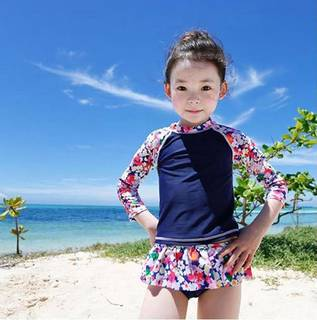 Amazon | カエナリエ 子供 セパレート 水着 花柄 ネイビー フリル UV キャップ付き (43224)