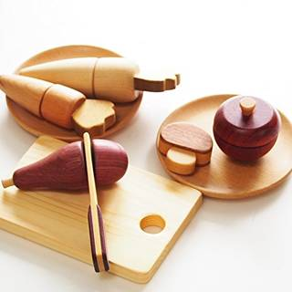 Amazon | スプソリ 木のおもちゃ 木製ままごと 野菜くだもの5種セット (74142)