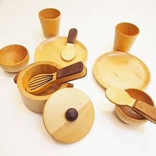 Amazon | スプソリ 木のおもちゃ 木製ままごと 小鍋と食器セット (74144)