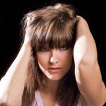 【今すぐできる!】ピンと飛び出たアホ毛の原因と5つの対策