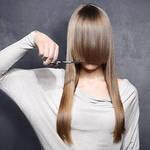 《分け目の変え方》前髪の分け方次第でできる簡単イメージチェンジ◎