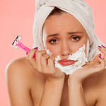 《化粧のノリが劇的に変化!!》顔のうぶ毛の正しい剃り方♡