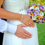 《妊婦さん要チェック!!》妊娠中の結婚式はいつの時期がおすすめ?