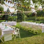 【ゲストに呼べる友人がいない...】結婚式は友達が多くないとできないの?