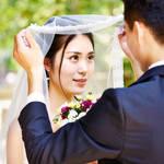 【結婚式の見せ場♡】ベールアップを綺麗に見せる姿勢とは?