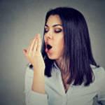【キスするのが不安...】気になる口臭の原因●●を徹底解明!
