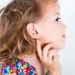 【耳かきのコツ♡】子供の耳掃除はピンセットでできるらしい!その方法とは?