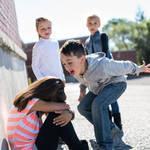 《初めて悩んだ日に読む話》いじめられる子の親には共通点があった!!その特徴とは?