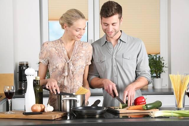 Free photo: Woman, Kitchen, Man, Everyday Life - Free Image on Pixabay - 1979272 (380)
