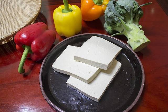 3 豆腐をカットして冷凍庫で保存