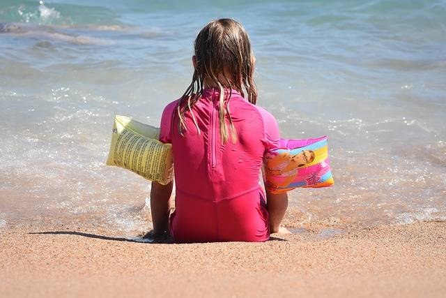 Free photo: Child, Sea, Girl, Beach, People - Free Image on Pixabay - 1629544 (2503)
