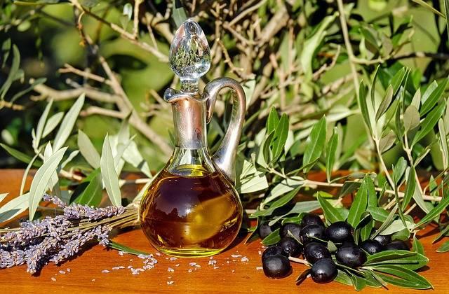 Free photo: Olive Oil, Oil, Food, Carafe - Free Image on Pixabay - 1596417 (2830)