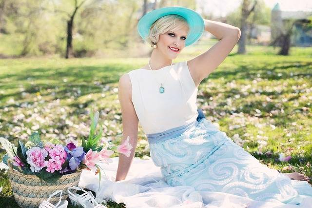 Free photo: Beautiful Woman, Picnic, Spring - Free Image on Pixabay - 764078 (3678)