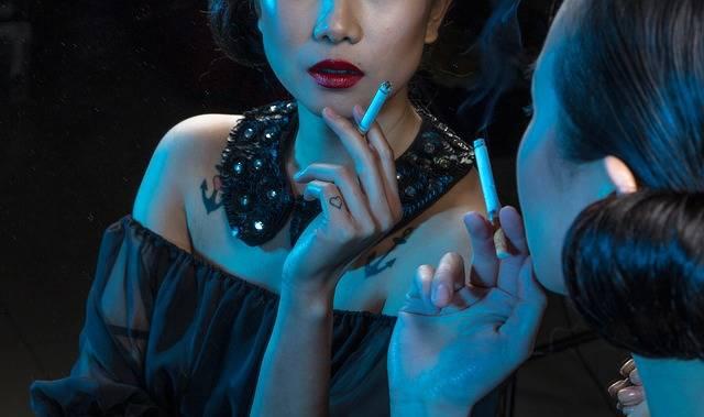 Free photo: Cigarette, Fashion, Girl, Glamour - Free Image on Pixabay - 1868373 (4523)
