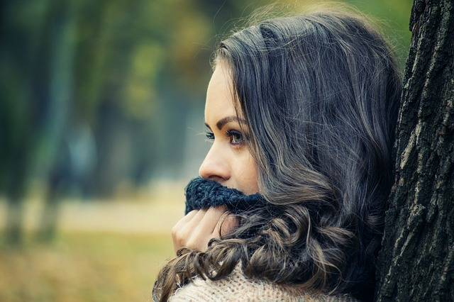 Free photo: Girl Looking Away - Free Image on Pixabay - 1995624 (4718)