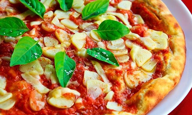 Free photo: Pizza, Basil, Garlic, Crust, Sauce - Free Image on Pixabay - 1209748 (6764)
