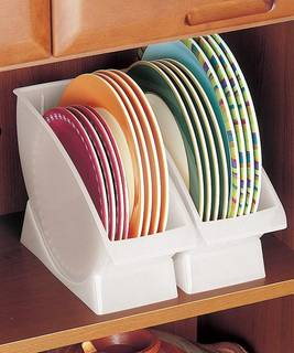 ●お皿を立てて収納!大きな皿を省スペースで収納できます...