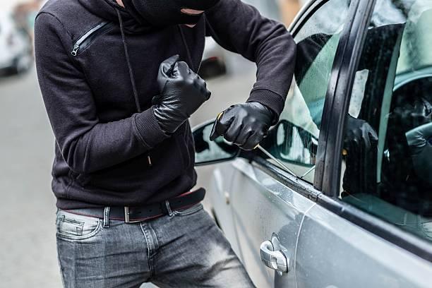 車泥棒、車の盗難