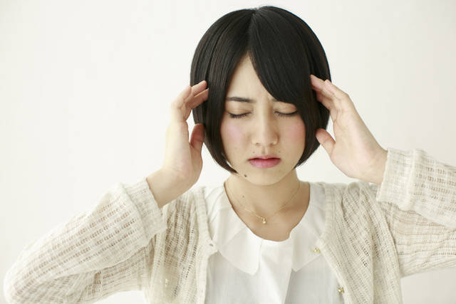 頭痛 -  GATAG|フリー素材集 壱 (1511)