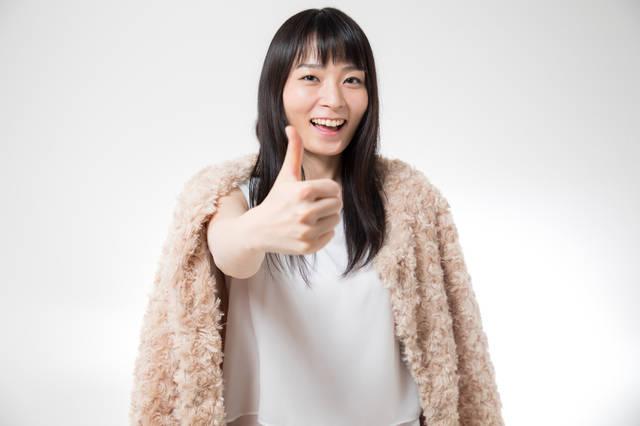 サムズアップ女子|フリー写真素材・無料ダウンロード-ぱくたそ (2343)