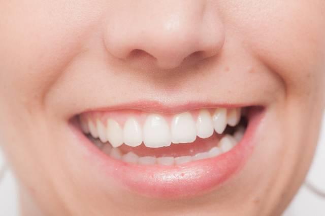 白人女性 顔パーツ口元 写真素材なら「写真AC」無料(フリー)ダウンロードOK (2445)