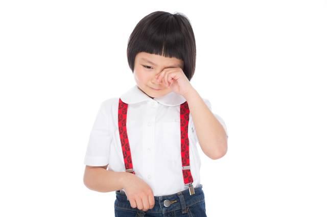 泣きじゃくる前髪パッツンの女の子|フリー写真素材・無料ダウンロード-ぱくたそ (2952)