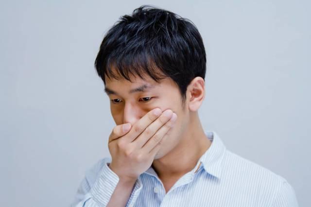 えっ!?口臭が気になる男性|フリー写真素材・無料ダウンロード-ぱくたそ (4434)