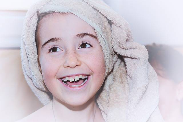Free photo: Child, Girl, Face, Towel, Laugh - Free Image on Pixabay - 666352 (4862)