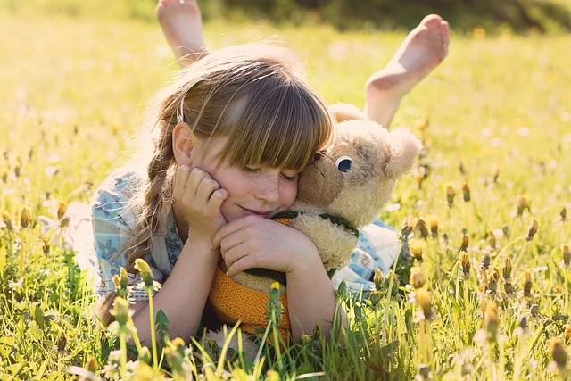 Free photo: Girl, Teddy Bear, Snuggle, Cute - Free Image on Pixabay - 797837 (4864)