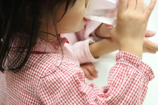 歯磨きをする女の子3|写真素材なら「写真AC」無料(フリー)ダウンロードOK (5264)