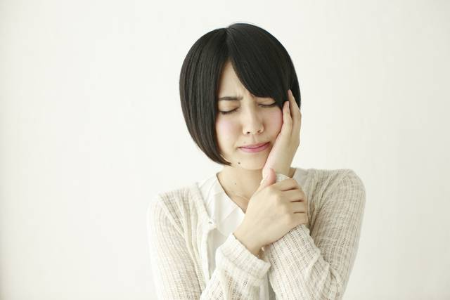 歯が痛い日本人女性 |写真素材なら「写真AC」無料(フリー)ダウンロードOK (5278)
