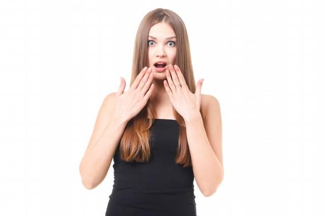 アッと驚き目を丸くする女性|フリー写真素材・無料ダウンロード-ぱくたそ (8155)