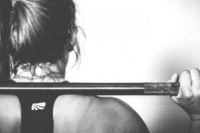 Free image of girl, woman, barbell - StockSnap.io (11334)