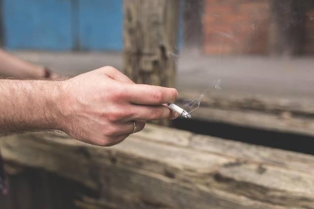 Free image of cigarette, smoke, smoking - StockSnap.io (11574)