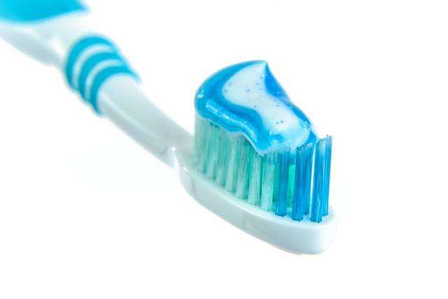 Free image of toothbrush, toothpaste, blue - StockSnap.io (11575)