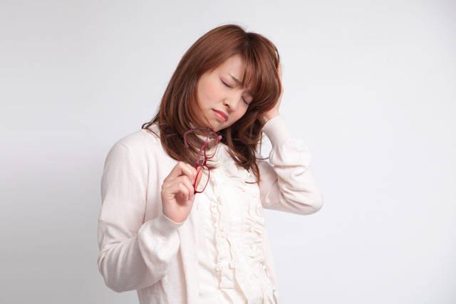 [フリー写真] 頭が痛い日本人女性でアハ体験 -  GAHAG | 著作権フリー写真・イラスト素材集 (11599)
