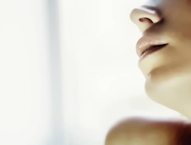 [フリー写真] 女性の口元でアハ体験 -  GAHAG | 著作権フリー写真・イラスト素材集 (11649)