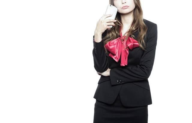 ウザい営業の対処法を考える女性|フリー写真素材・無料ダウンロード-ぱくたそ (11698)