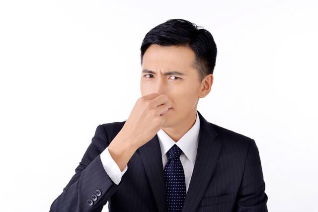 [フリー写真] 鼻をつまむビジネスマンでアハ体験 -  GAHAG | 著作権フリー写真・イラスト素材集 (11784)