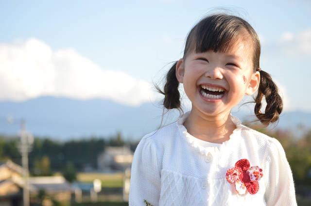[フリー写真] 笑顔の女の子でアハ体験 -  GAHAG | 著作権フリー写真・イラスト素材集 (11802)