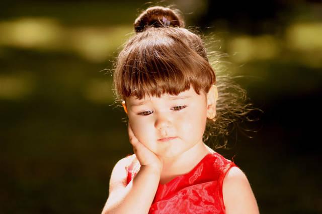 [フリー写真] 憂鬱な表情の外国の女の子でアハ体験 -  GAHAG | 著作権フリー写真・イラスト素材集 (11803)