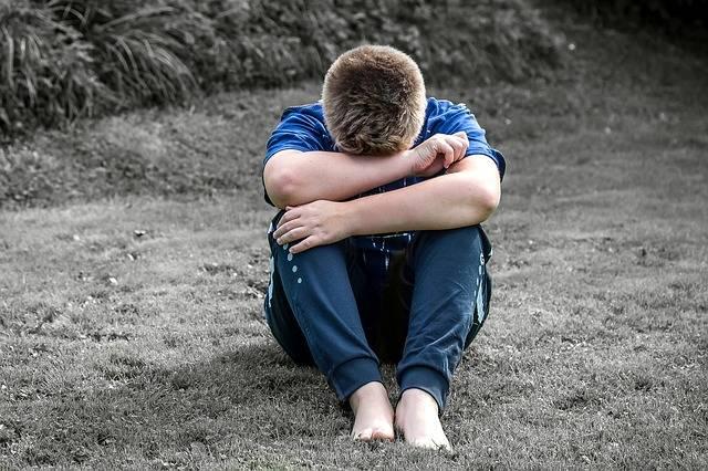Free photo: Boy, Child, Sad, Alone, Sit - Free Image on Pixabay - 1666611 (3196)